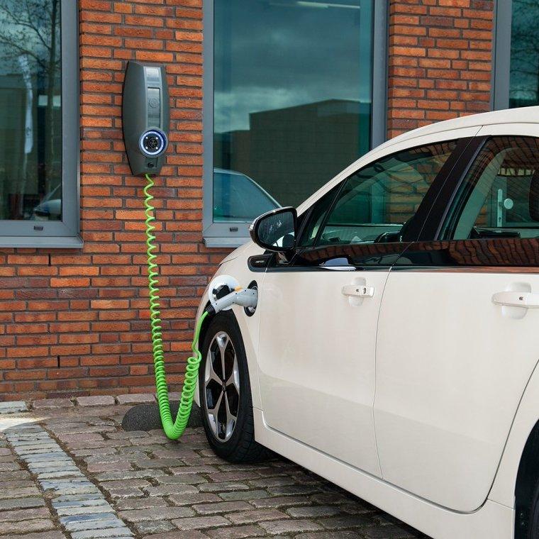 De Plug In Hybride Auto Wordt Steeds Populairder Zelfstroom