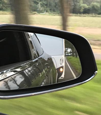TEsla Model X Spiegel - Zelfstroom