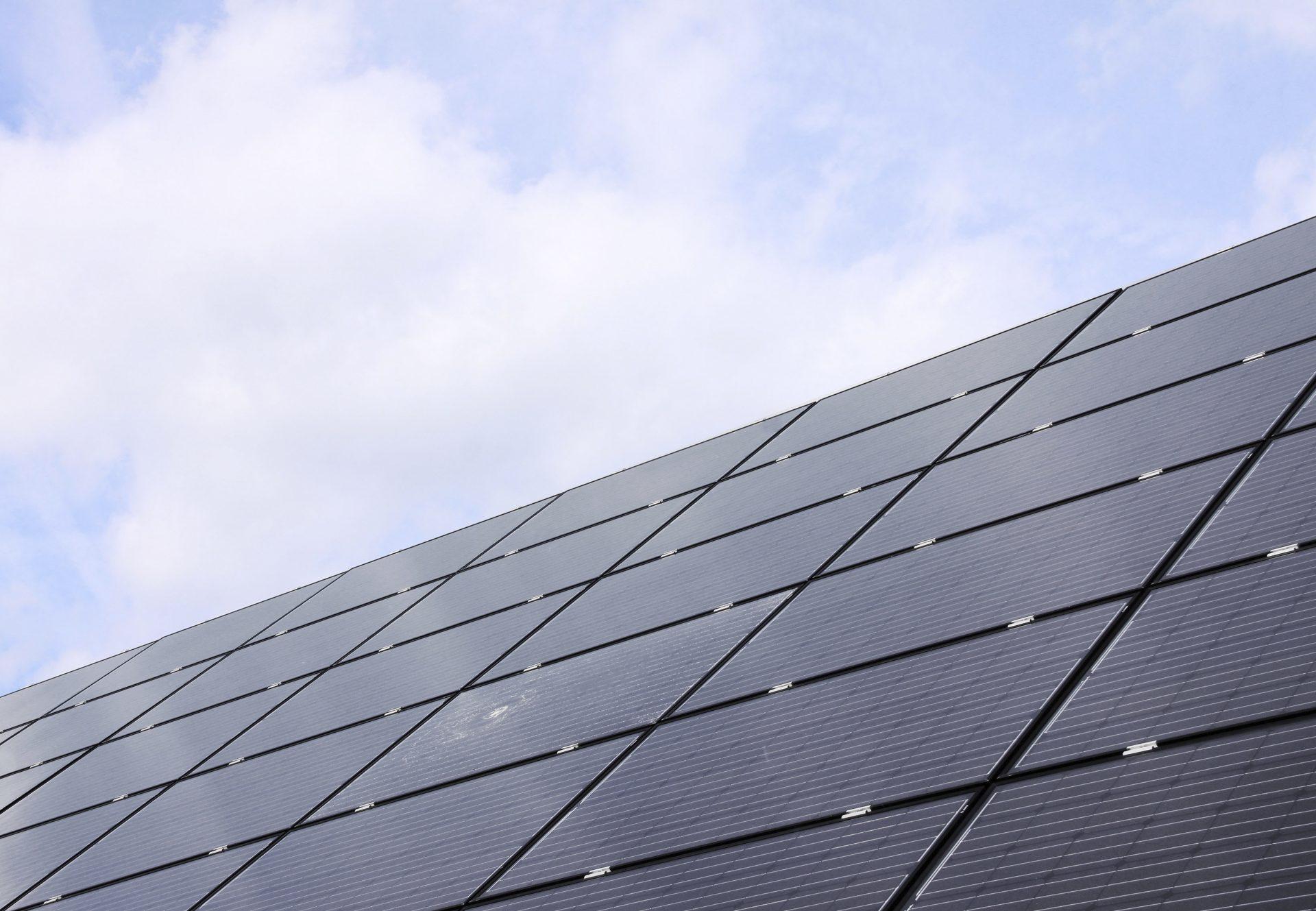 Hoeveel zonnepanelen passen er op mijn dak?